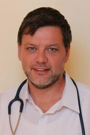 """""""Je jasné, že data pacientů je třeba chránit, to ale lékaři vědí. Je třeba se pouze zamyslet nad tím, jak v současnosti s daty nakládají a zda někde v procesu nehrozí únik,"""" říká MUDr. Cyril Mucha"""