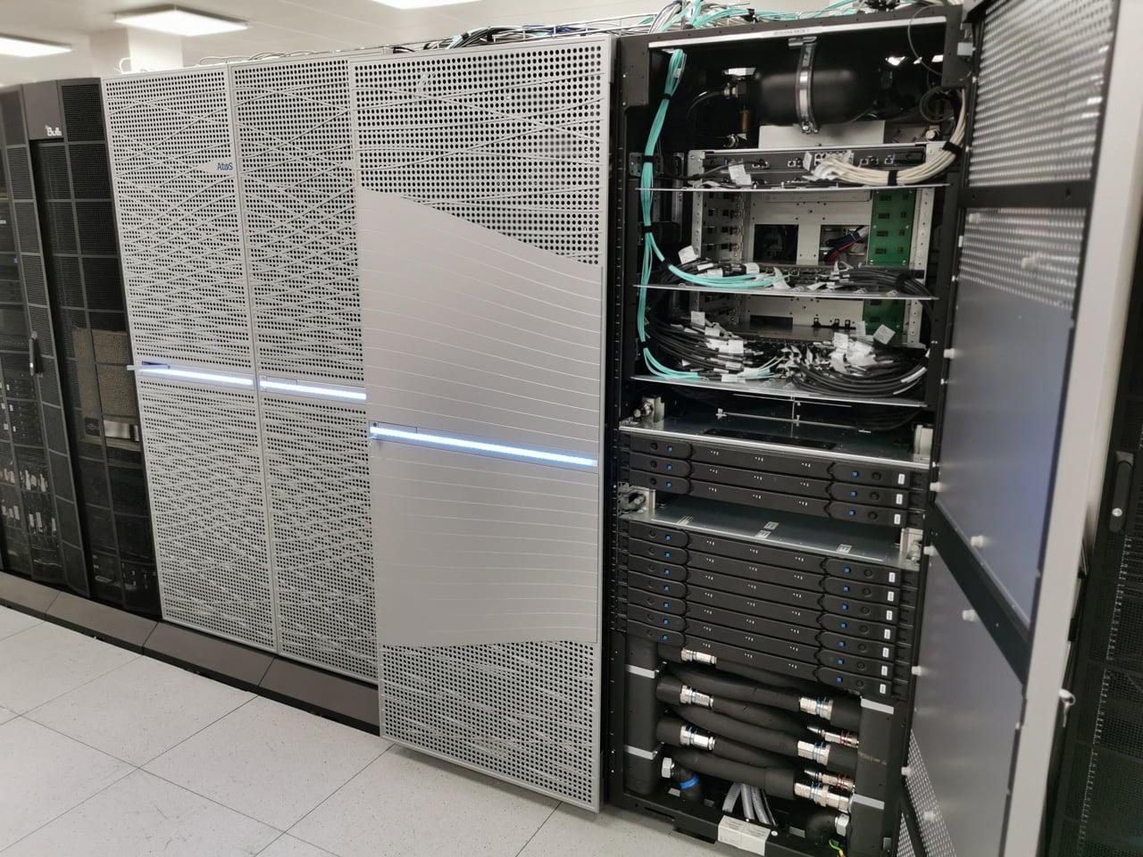 Upgradovaný superpočítač Anselm na IT4Innovations v Ostravě