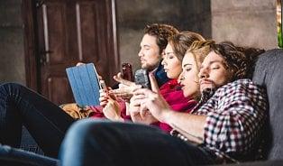 Více než dvě hodiny na mobilu a počítači? Co přesně vámhrozí