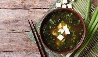 Je miso polévka skutečně zdravá? Musíte ji správně připravit