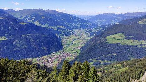 Ahornbahn, Zillertal, Rakousko. (Xiaomi Mi 8)