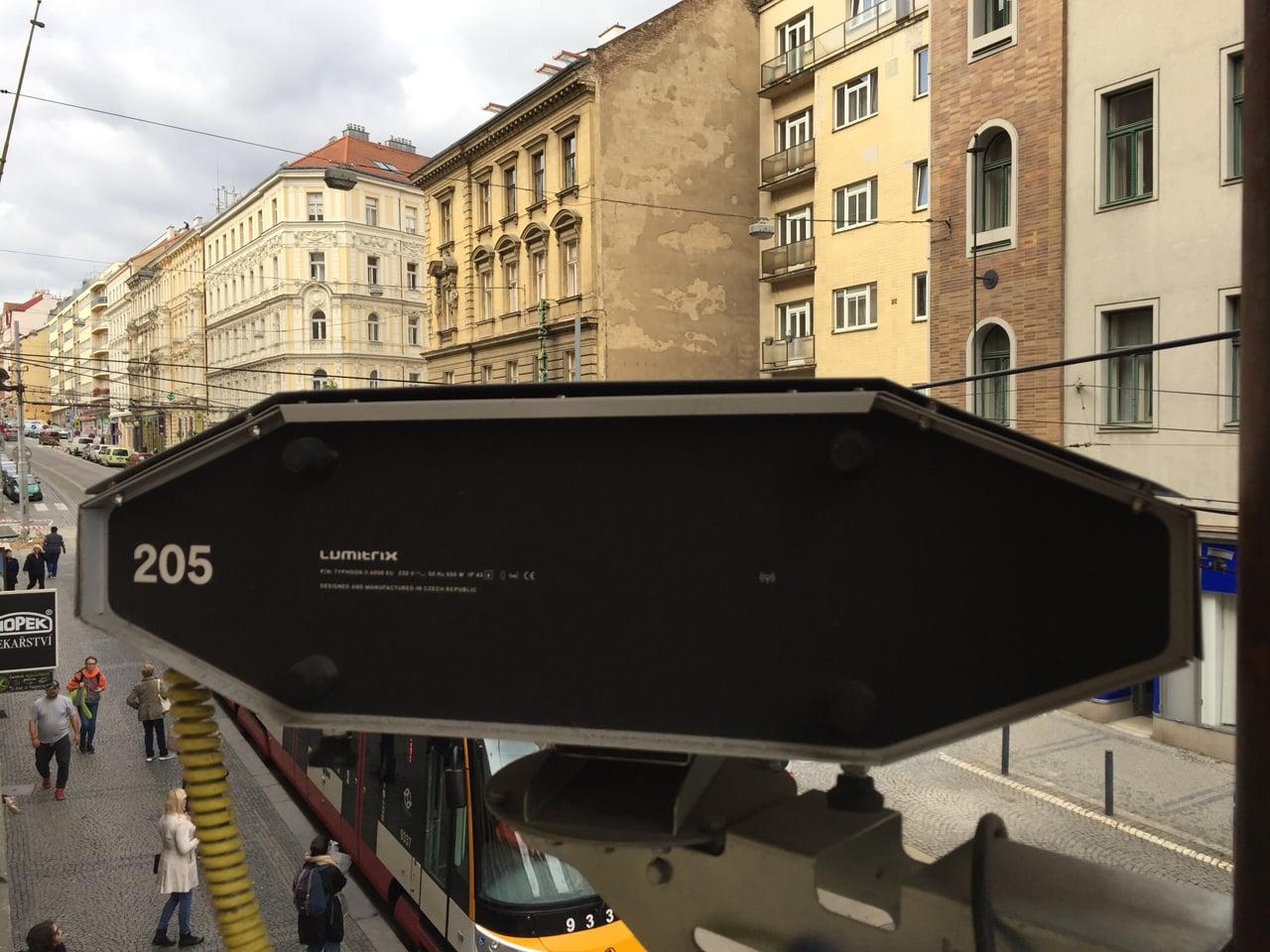 Outdoorový projektor od kopřivnické firmy Lumitrix
