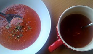 Test instantních polévek: místo brambor mouka, místo rajčatcukr