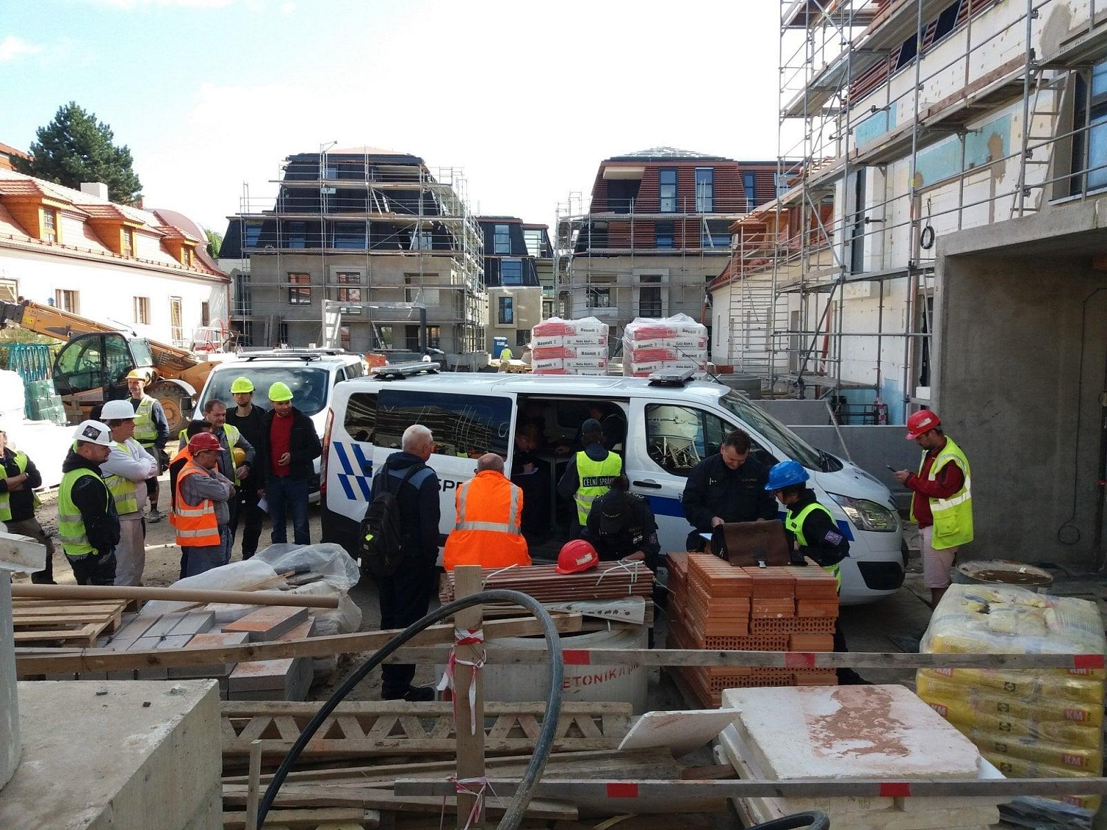Kontrolní akce nelegálního zaměstnávání cizinců v Praze