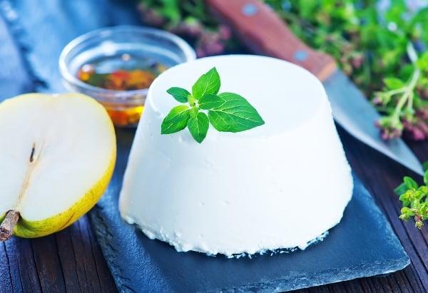 Syrovátkový sýr Ricotta