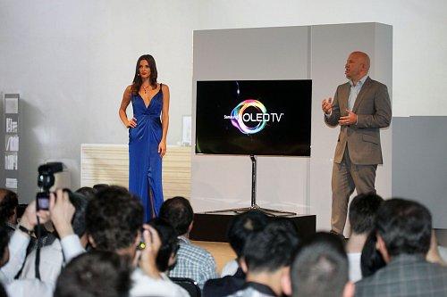 Samsung představil svůj nový OLED televizor na tiskové konferenci, která se konala před zahájením berlínského veletrhu.