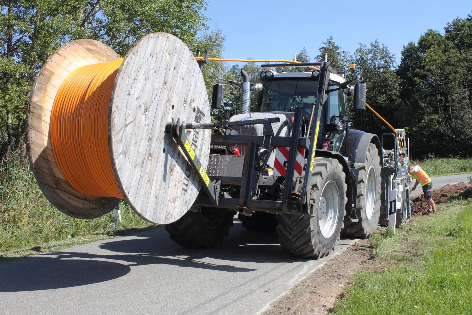 LayJet: jak se klade optický kabel podél silnic