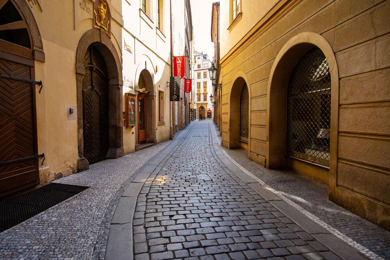 Osamělá Praha v době koronavirové pandemie