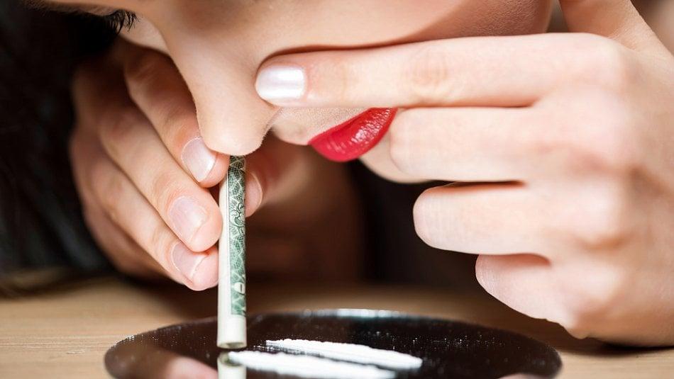 Kokain není návykový, drahoušku, musím to vědět, beru ho už roky!