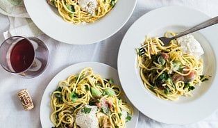 Špagety jedí lžící (ne)jen Češi