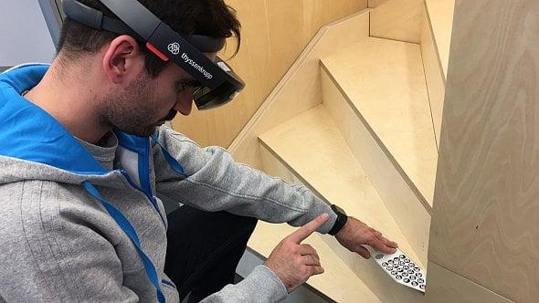 Žádné hraní. Jak firmy vNěmecku nasazují HoloLens a zkoušejí Internetvěcí