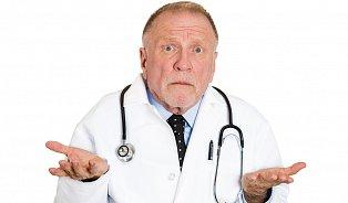 Praktičtí lékaři jsou staří a jen ve velkých městech