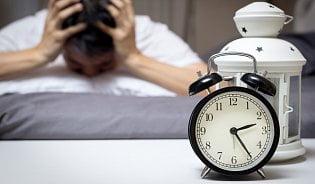 Nemůžete usnout? Homeopatie rozlišuje typy spánkovýchpotíží