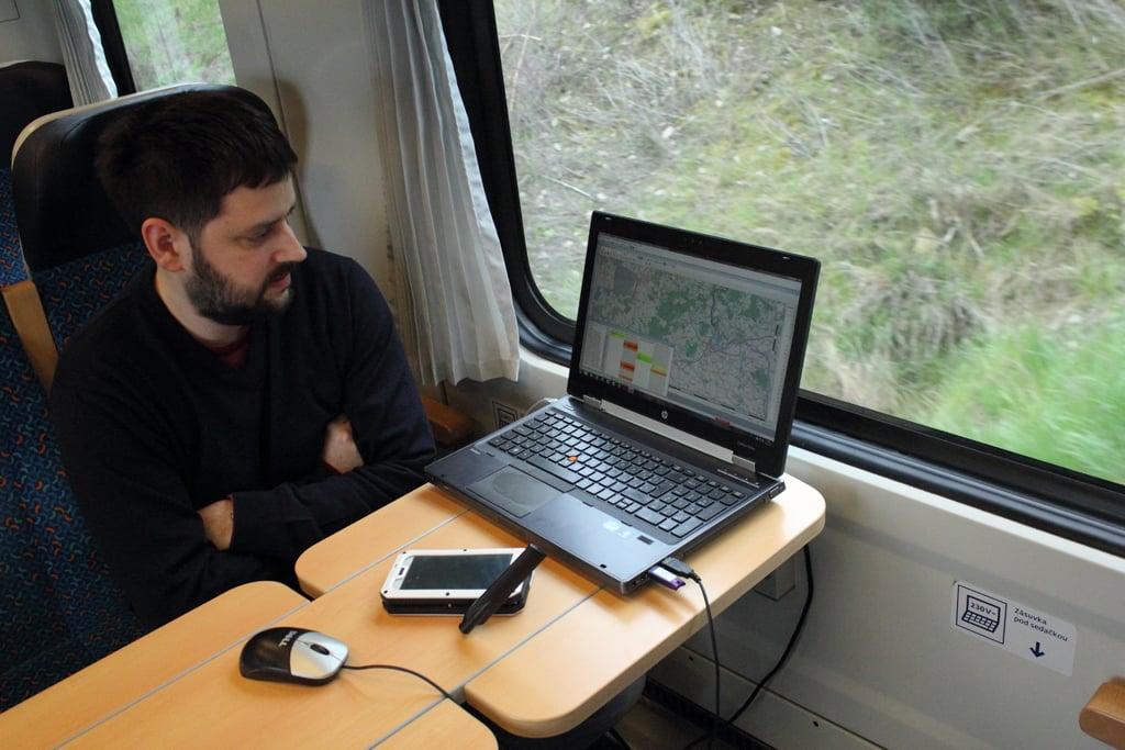 Jak ČTÚ poprvé měřil mobilní pokrytí železničních koridorů