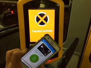 S novinkou od ČSOB v podobě NFC karty v aplikaci NaNákupy se nám zaplatit nepodařilo.