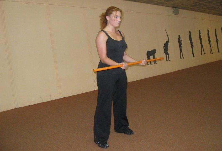 Bicepsový zdvih - základní postavení