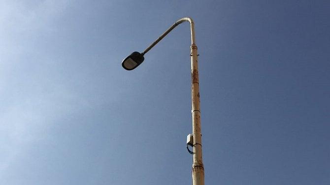 [aktualita] Senzory na chytrých lampách v Karlíně fungují dobře, tvrdí Operátor ICT