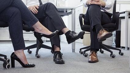 Vitalia.cz: Sedněte si snohou přes nohu a vydržte pár minut...