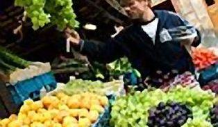 Farmářské trhy v rukou politiků