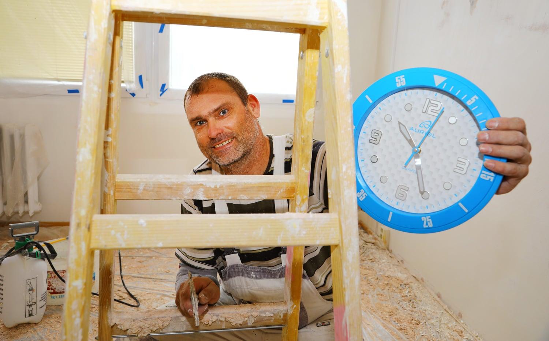 Jak podniká hodinový manžel? Nahlédněte do jeho pracovního dne