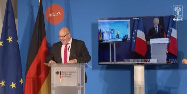 Německý a francouzští ministři pro ekonomiku Peter Altmaier (vlevo) a Bruno Le Maire při představování projektu Gaia-X