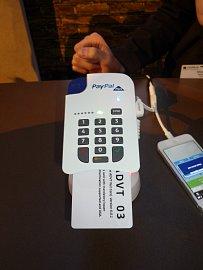 Proměňte svůj mobil a PayPal účet pro příjem platebních karet.