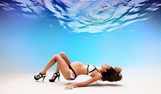 Kouzlo těhotenství pod vodou