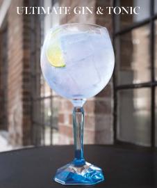 Namíchejte si jeden z nejtradičnějších koktejlů podle barmanů z Bombay Sapphire. Recept najdete v článku.