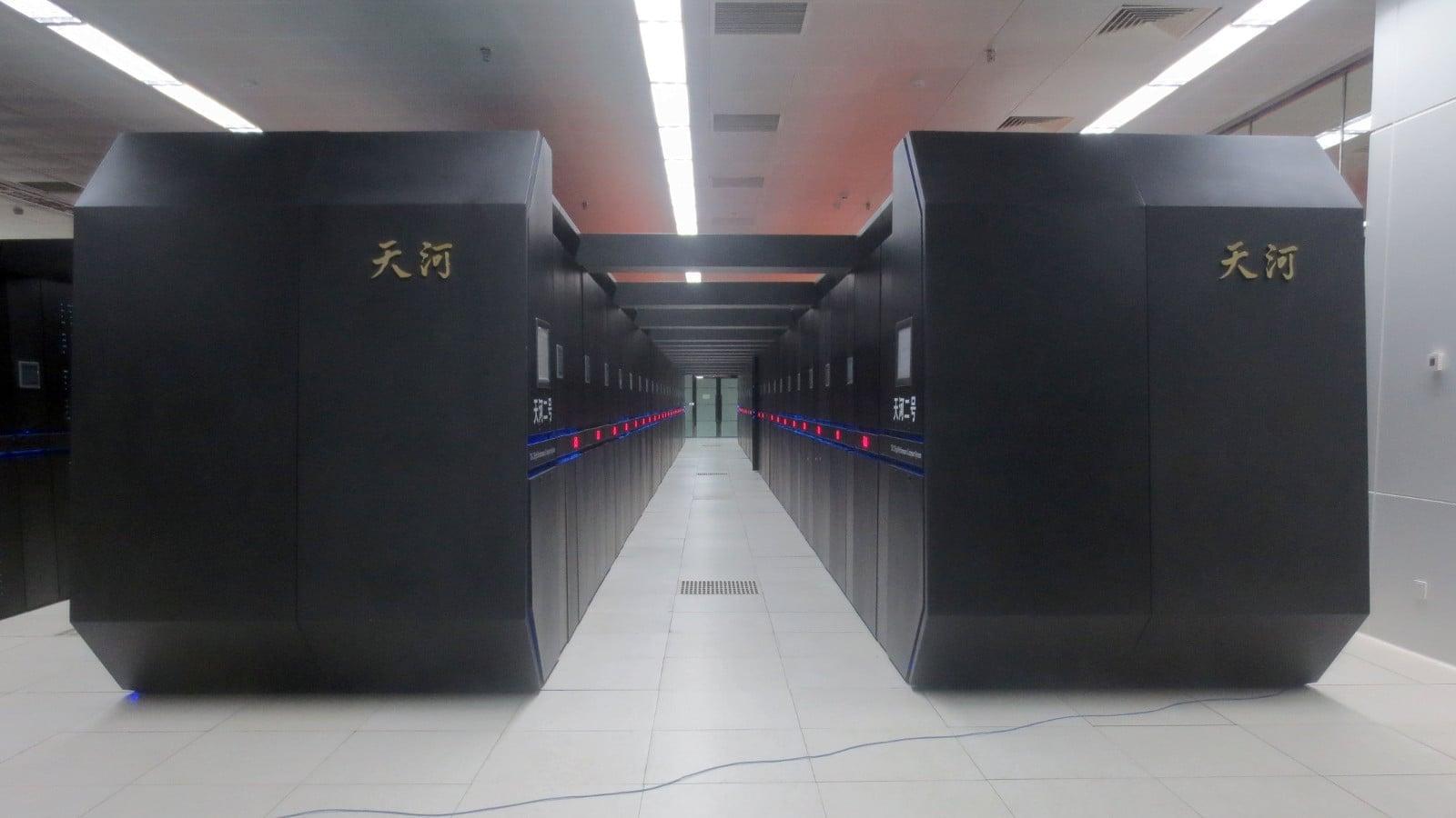 4. Tianhe-2 (Čína)