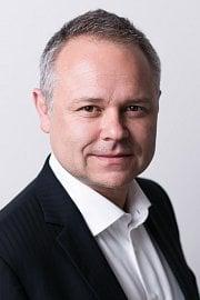 Hanuš Thein, výkonný ředitel pro obchod a marketing finanční skupiny Wüstenrot.
