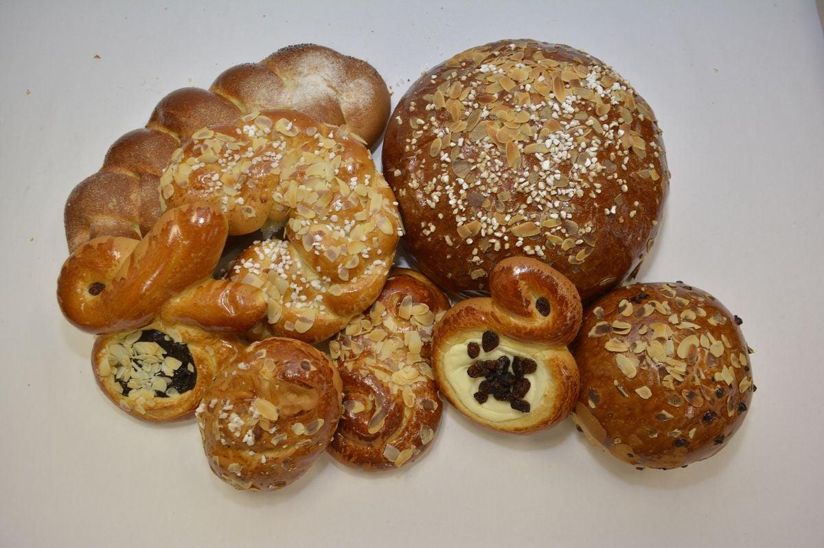 Ručně vyráběné mazance a velikonoční pečivo v Tescu