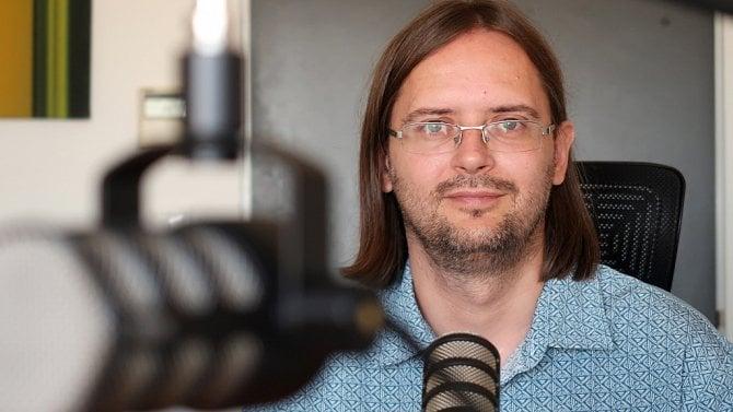 [článek] Adam Javůrek (Český rozhlas): Občas už fungujeme isystémem podcast-first
