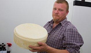 Jak vzniká Legenda, sýr zfarmy Létající koza