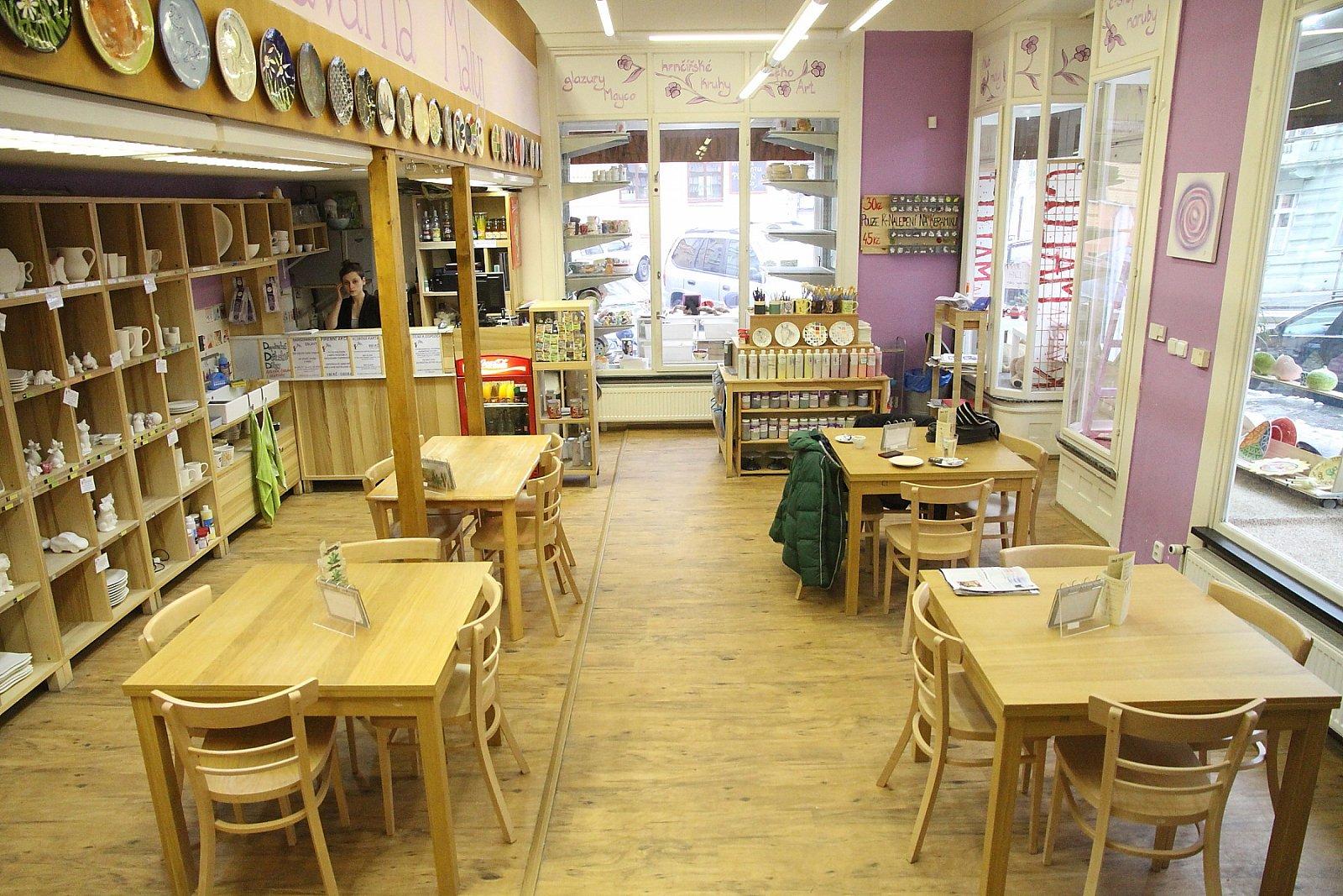 Tvůrčí kavárny jsou čisté a nekuřácké. Je to prostor k relaxaci.