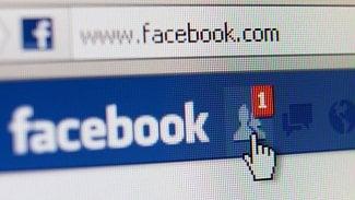 Lupa.cz: Jak Facebook maže nepřípustný obsah?