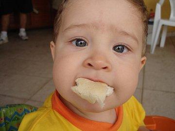 Soju nebo rohlík? Pro malé dítě je jednoznačně lepší soja.