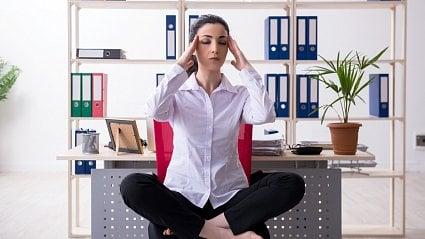 Vitalia.cz: Jógou proti bolestem hlavy