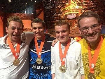 Český tým vyhrál mistrovství světa Hearthstone Global Games