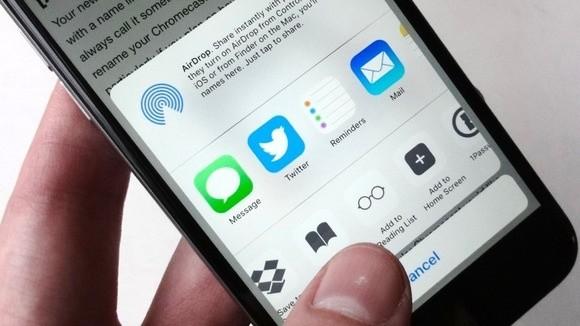 Funkce Reading List v operačním systému iOS vám dokáže zachytit obsah libovolné internetové stránky. Tuto internetovou stránku si pak můžete uložit do místního úložiště mobilního zařízení pro čtení offline.