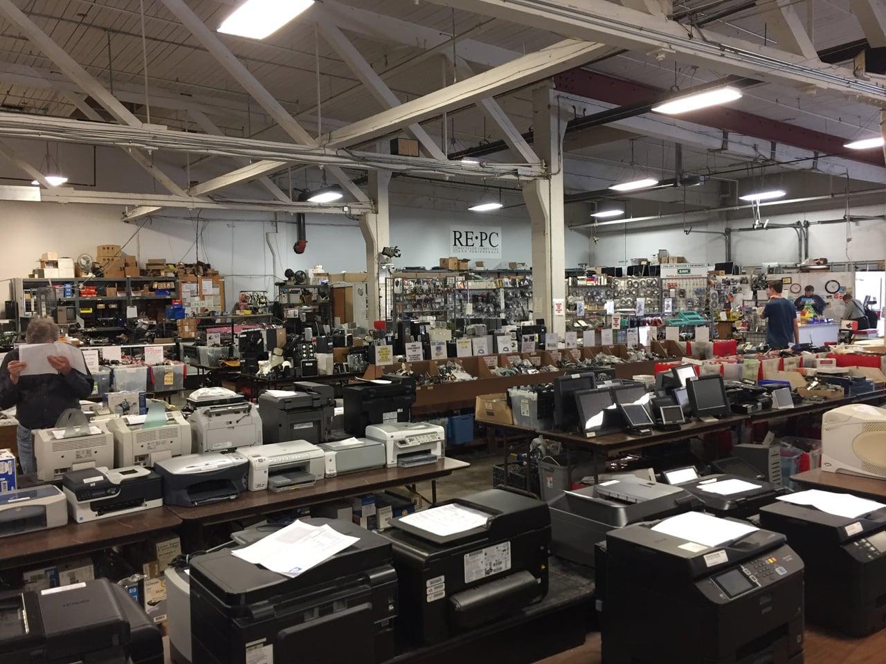 Křemíkové nebe RE-PC: prodejna starých počítačů v Seattlu