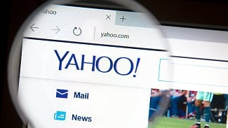 Yahoo skenuje poštu pro vládu, Google a Microsoft to prý nedělají