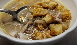 Rybí polévka: Používejte maso zrybích hlav