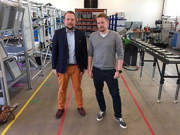 Zakladatel be3D David Miklas (vlevo) a šéf výroby Tomáš Mikula.