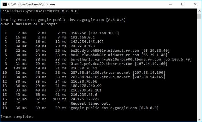 Na obrázku vidíte výstup z příkazu traceroute, kde je jasně vidět nasazení dvojitého NATu. Svědčí o tom privátní adresy uvedené u prvních dvou skoků.