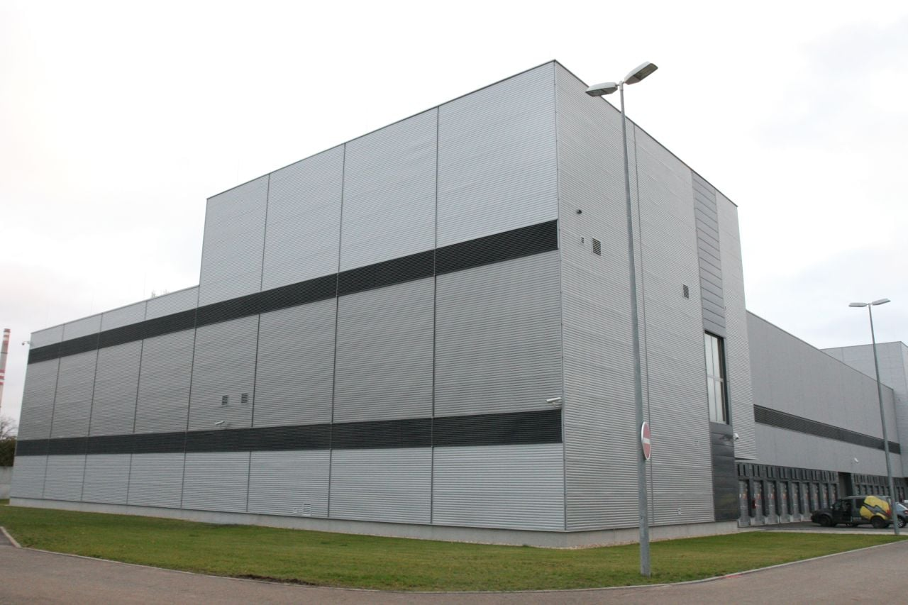 Škoda Auto HPE SGI 8600 clustery, klimatizace a vstup do DC C12