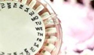 Ženy s poruchou srážlivosti by neměly brát antikoncepci