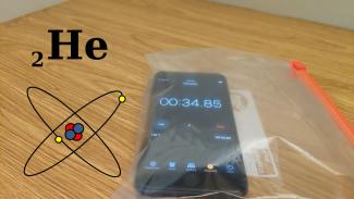 Root.cz: iPhone se zasekne po styku s heliem