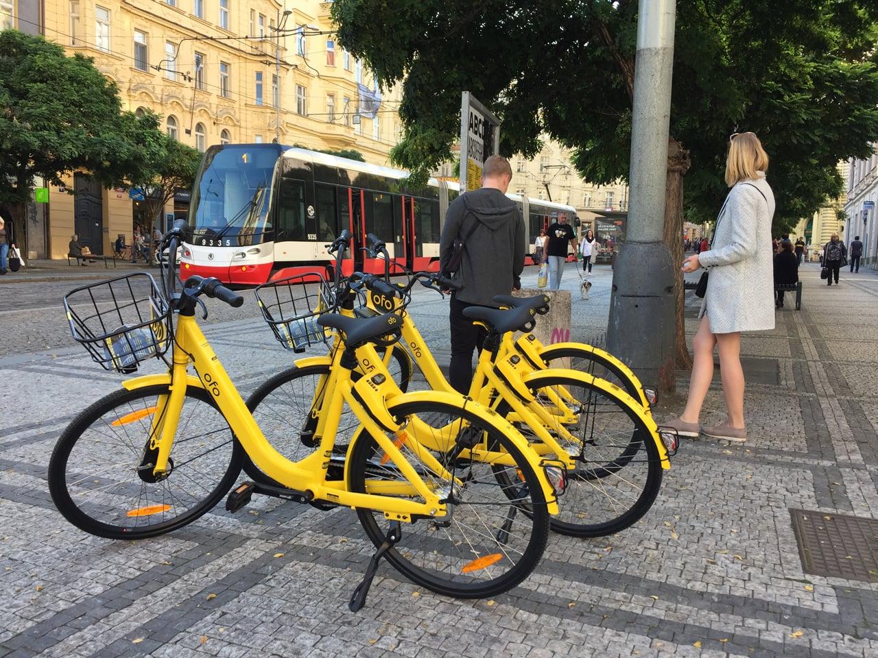 Čínská kola ofo startují v Praze