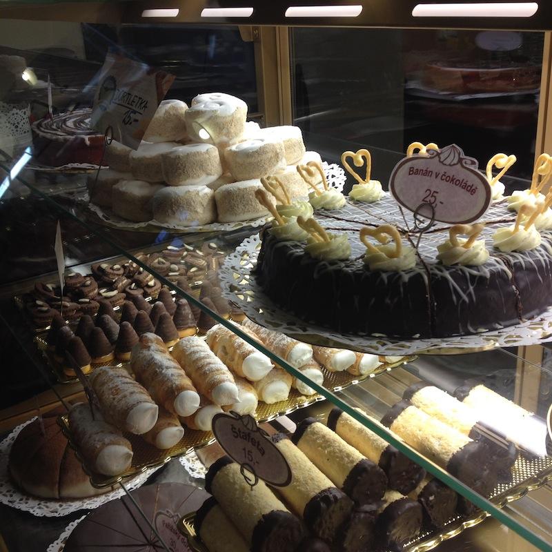 Roudnická cukrárna a kavárna navazuje na vídeňskou kulturu.