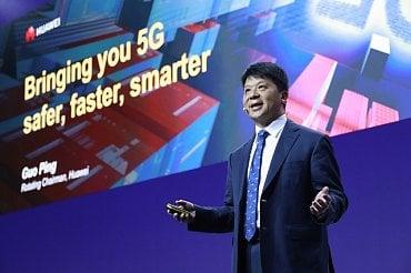 Guo Ping z Huawei na MWC 2019 v Barceloně